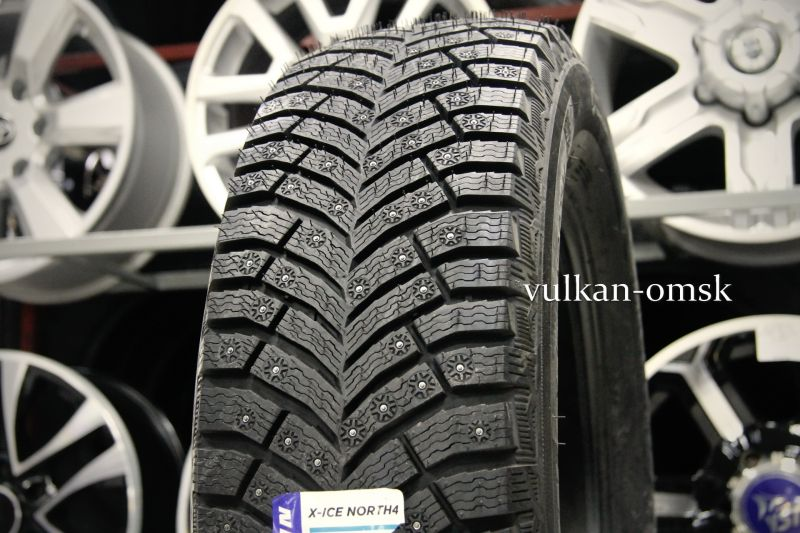 Michellin X-Ice North 4 XL 215/65 R16 102T шип