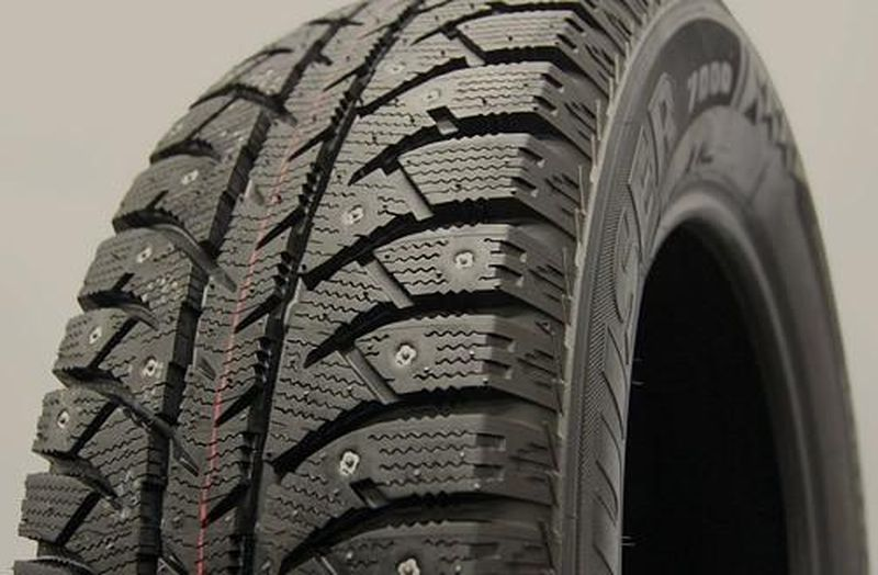 Bridgestone Ice Cruiser 7000 185/65 R15 88T шип